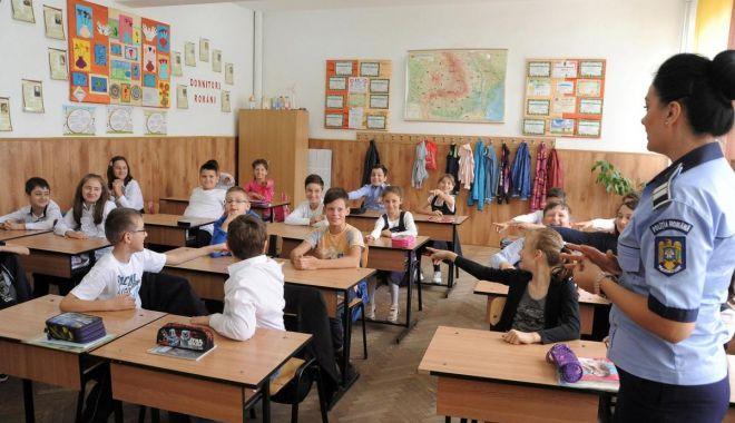 Foto: Poliţia Siguranţă Şcolară, activă, începând de astăzi