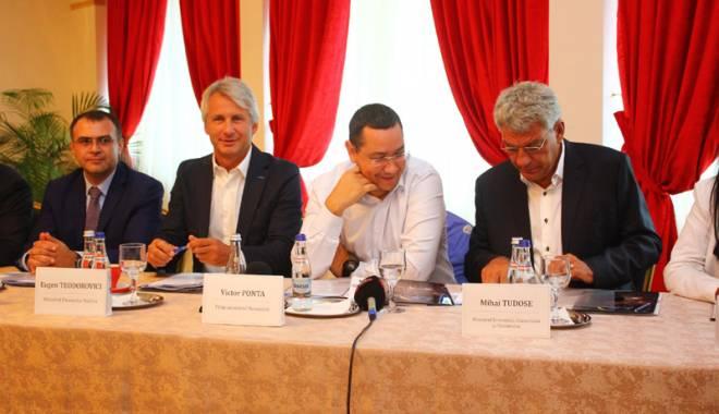 Foto: De ce Mamaia nu este Miami? Premierul Ponta, băgat în ședință de patronii din turism