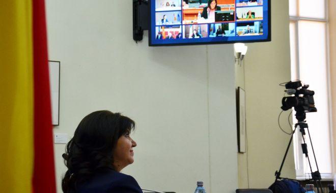 Premieră la Constanța. Ședință online cu directorii de școli și ministrul Monica Anisie - fotofondpremierainvatamant-1589388875.jpg