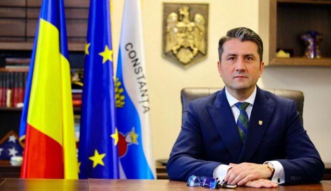 """Foto: Primarul Decebal Făgădău: """"Parcarea în locurile publice din Constanța se plătește!"""""""