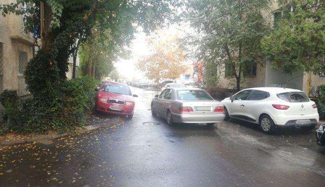 """Calvar în trafic, pe o stradă din Constanța. """"Vrem sens unic, altfel nu se mai poate!"""" - fotofondprintgarofiteisensunic4-1606157976.jpg"""