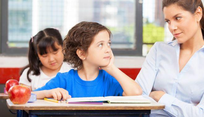 Foto: A început școlarizarea învățătoarelor. Cadrele didactice, formate pentru a lucra cu noile programe școlare