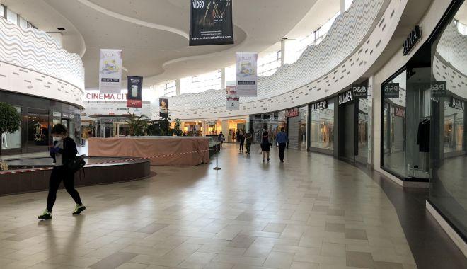 Liber la shopping în mall și bălăceală la piscină. Ce restricții vor fi ridicate de luni - fotofondrestrictii2-1591983271.jpg