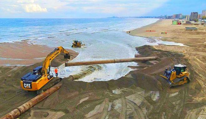 Scandal pe plajă. Lucrările de înnisipare din Mamaia, ţinute pe loc de patronii de beach-baruri - fotofondscandalpeplaja1-1608235431.jpg