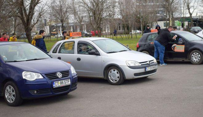 Școlile auto au tras obloanele. Ce măsuri solicită instructorii auto - fotofondscoliauto1-1585069314.jpg