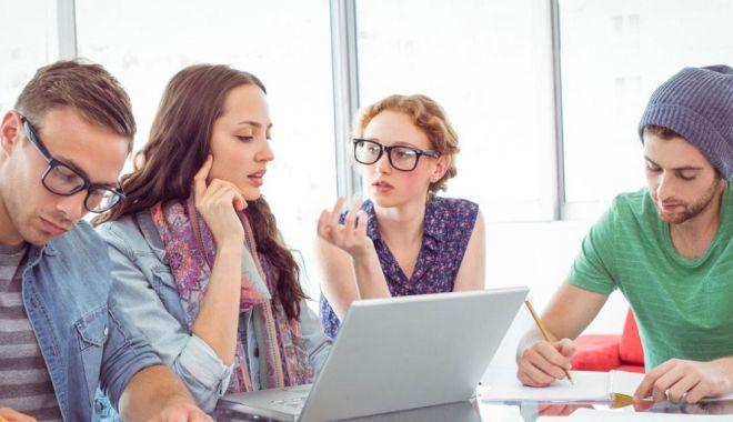 Foto: Studenții își pot transfera creditele de la o facultate la alta, în aceeași universitate