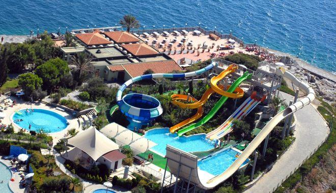 Renaște sudul litoralului? Hoteluri modernizate, faleze și străzi refăcute, în stațiunile de la malul mării - fotofondsudullitoralului3-1578352030.jpg