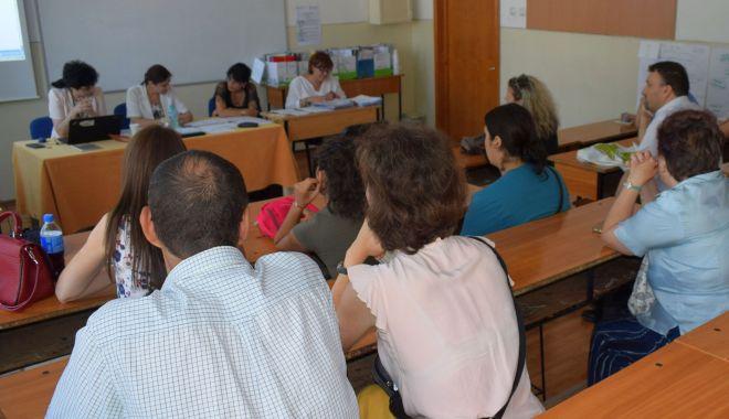 Titularizarea fără concurs, în anul școlar cu stare de urgență, blocată de președintele Iohannis - fotofondtitularizare-1590674422.jpg