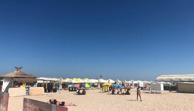 """Foto: Afaceri cu plajele de pe litoral. """"Dai 35.000 euro, dar faci bani mulți!"""""""