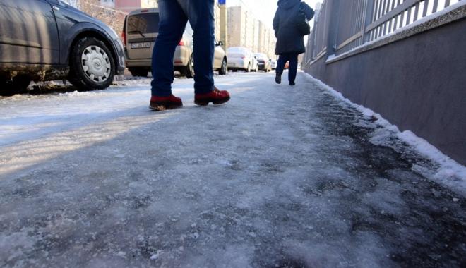 Foto: O nouă repriză de iarnă, la Constanța. Autoritățile, mobilizate să nu lase orașul să se blocheze