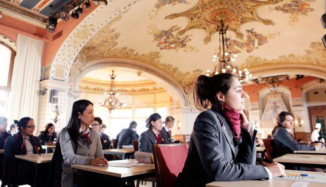 Târg educațional. Universități  din toată lumea, prezente la Constanța - fotofonduniversitati1-1537976065.jpg