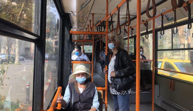 Vârstnicii constănţeni, greu de convins să stea la distanţă şi să poarte corect masca de protecţie - fotofondvarstniciiconstanteni1-1601319215.jpg