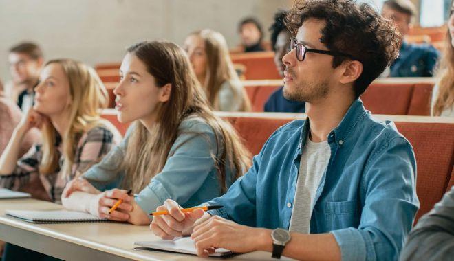 """Vrei să pleci la facultate în străinătate? Olanda, ţara care """"te plăteşte"""" să înveţi - fotofondvreisamergilafacultate-1605716250.jpg"""