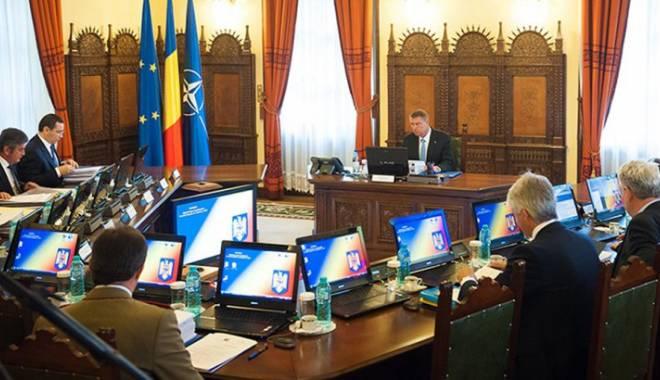 Foto: Scandalul interceptărilor. Ședință CSAT, pe tema deciziei CCR