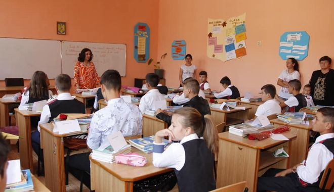 Școlile din mediul rural sunt mai dotate decât cele din orașe - fotoprintfondscoliledinmediulrur-1570824590.jpg