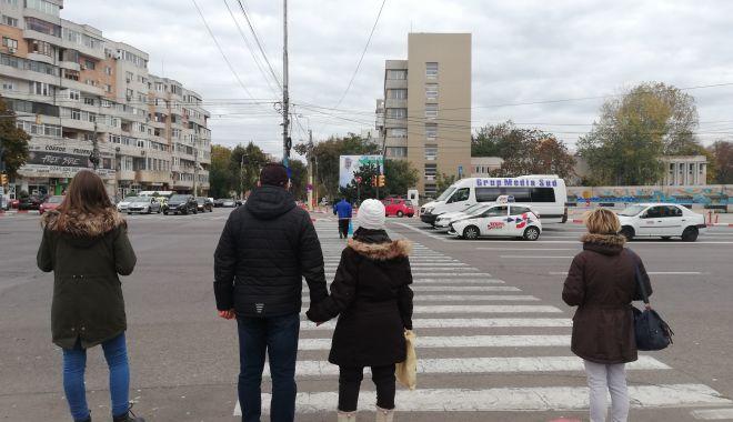 """Necazuri în traficul din Constanța: """"Facem curse contra cronometru pe trecerile de pietoni!"""" - fotoprintfondtreceridepietoni7-1605209482.jpg"""