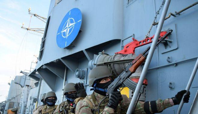 """Foto: Misiune în Marea Neagră. Fregata """"Regina Maria"""", escală în portul Poti"""