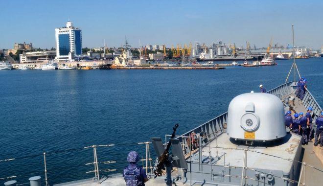 "Foto: Fregata ""Regina Maria"" a acostat în portul Odessa"