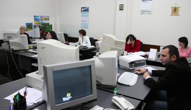 Foto: Angajații Primăriei Constanța, salarii cu 12% mai mari