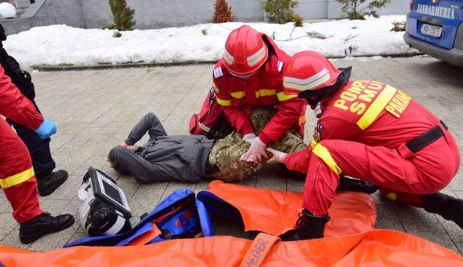 Foto: Cursuri de prim ajutor în școli și defibrilatoare în zonele publice. Este nevoie, însă, de donații!