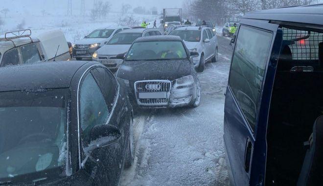 """GALERIE FOTO / Drumarii, apel la şoferi. """"Nu încurcaţi acţiunile de deszăpezire!"""" - galeriefotodrumari-1611761564.jpg"""