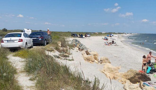 Controale şi amenzi uriaşe, pe plajele din Corbu şi Vadu - galeriefotoplajesalbatice-1627379552.jpg
