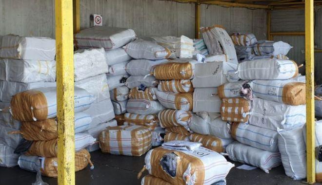 Foto: Colete aduse din Turcia, confiscate în Portul Constanța Sud Agigea
