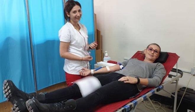 Foto: Polițiștii de frontieră au donat sânge