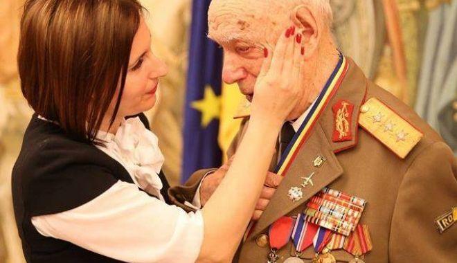 Armata României își comemorează eroii.