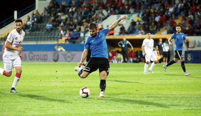 Gheorghe Hagi nu dorește să se întoarcă cu mâna goală de la Craiova - gheorghehagi-1537546198.jpg