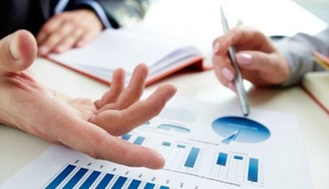 Foto: Ghid pentru IMM-urile care vor să acceseze granturi nerambursabile