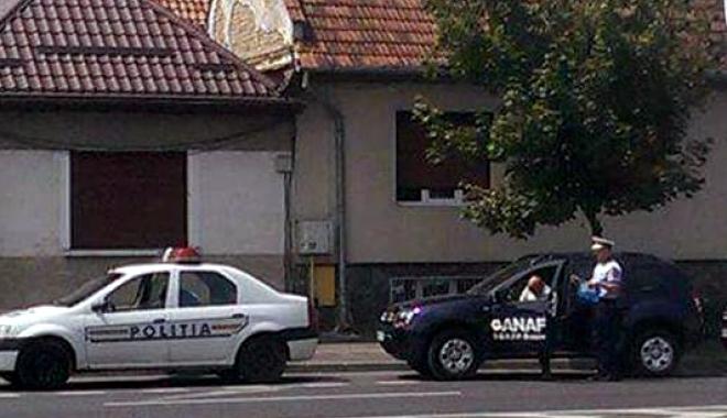 """Foto: VITEZOMAN DE LA ANAF, TRAS PE DREAPTA. """"AȚI DAT AMENDĂ?"""" RĂSPUNSUL POLIȚISTULUI A DEVENIT VIRAL"""