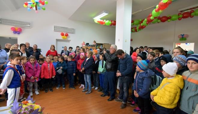 Moment de bucurie în comuna Grădina. A fost inaugurat Centrul de Prevenire a Abandonului - gradinacentrudeprevenireaabandon-1477588465.jpg