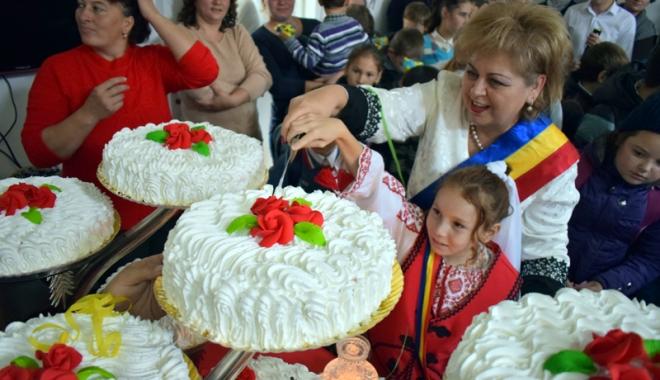 Moment de bucurie în comuna Grădina. A fost inaugurat Centrul de Prevenire a Abandonului - gradinacentrudeprevenireaabandon-1477588474.jpg