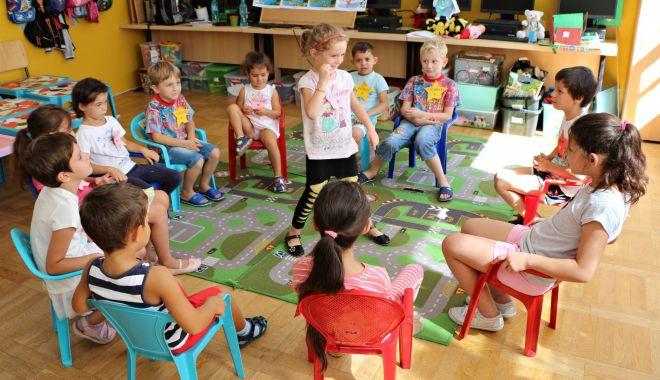 Părinţii copiilor de grădiniţă, puşi la încercare. Ce soluţii au găsit pentru preşcolari - gradinita-1600807824.jpg