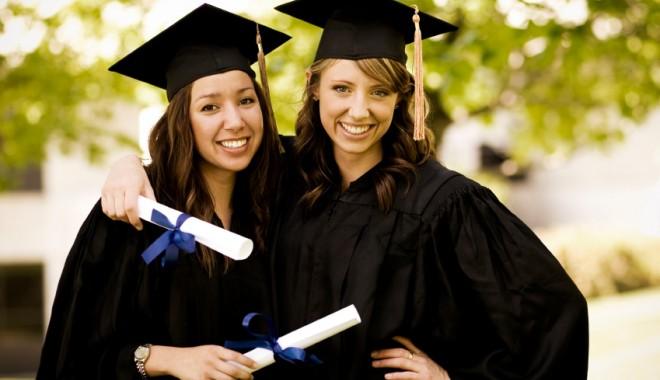Caravana celor interesați de studii în străinătate - graduationpictures1350292534-1367835913.jpg