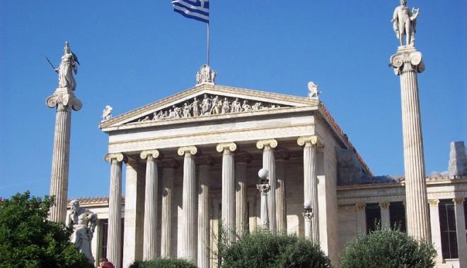 "Foto: ""Grecia va rămâne în zona euro"""