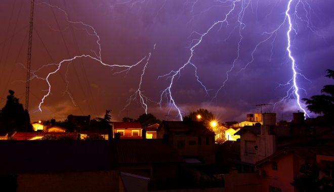 Foto: Mergeți în vacanță în Grecia? Vă așteaptă furtuni violente