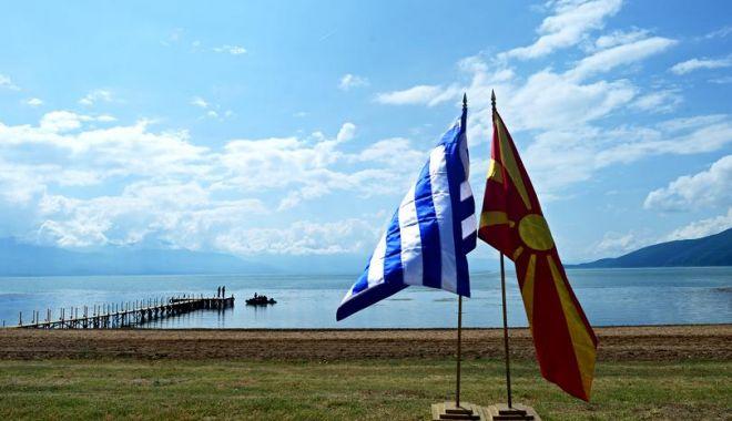 Foto: Acordul pentru noul nume al Macedoniei a fost semnat. Cum se va numi