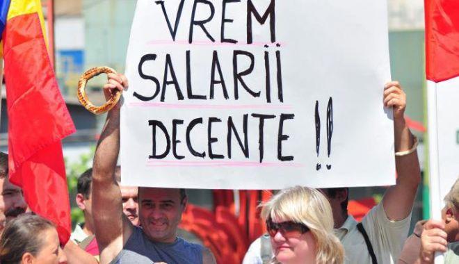 Foto: Grevă în administrația publică. Funcționarii publici, nemulțumiți de legea salarizării