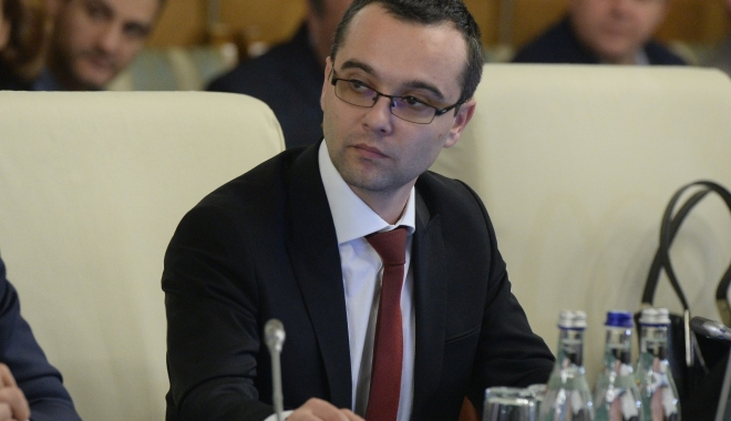 Foto: Contractele colective de muncă, obligatorii în instituțiile din România