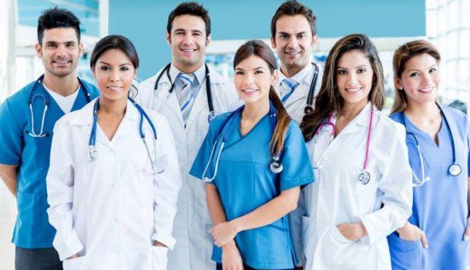 Guvernul va aproba angajarea a 200 de medici care au finalizat rezidenţiatul - guvernoug-1603904953.jpg