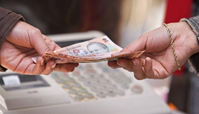 Foto: Guvernul nu mai mărește salariul minim cu 100 de lei!