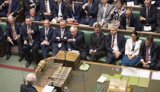 Foto: Guvernul britanic face primul pas către alegeri anticipate