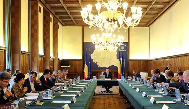 Foto: Guvernul intră în ședință extraordinară pentru coduri