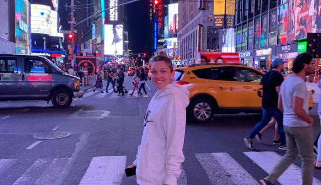 Foto: Cu zâmbetul pe buze la New York! Ce a făcut Simona Halep după victoria cu Nicole Gibbs