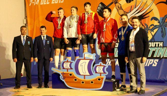 Foto: Halterofil din Ovidiu, dublu medaliat la Europenele Under 15