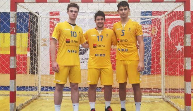 Trei juniori de la HC Dobrogea Sud, la Trofeul Carpați.