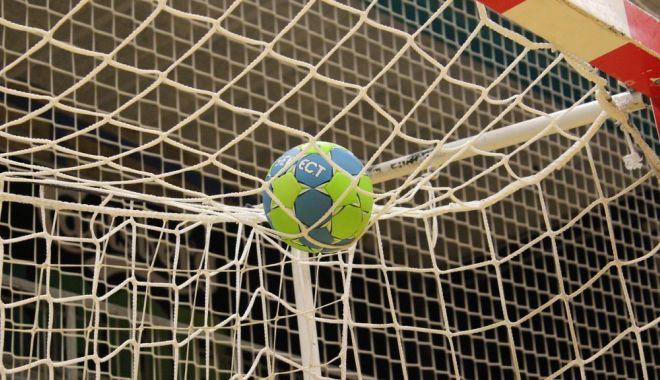 Handbal / Liga Naţională masculină, etapa a 10-a. Câte meciuri se joacă - handbal2310-1603445478.jpg