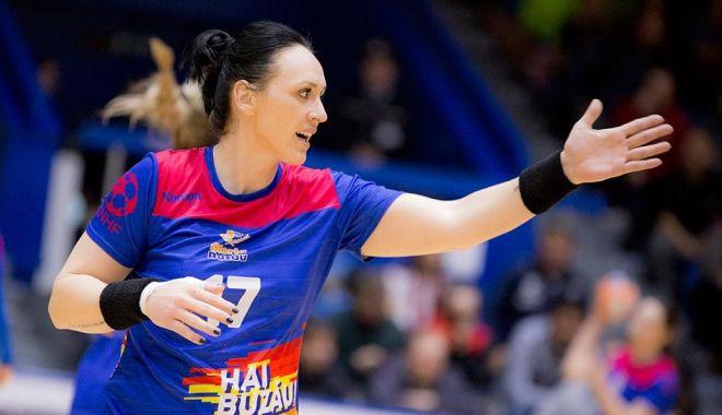 Handbal / Liga Naţională feminină, etapa a patra. Gloria Buzău, revenire miraculoasă! - handbalgloria-1604330099.jpg